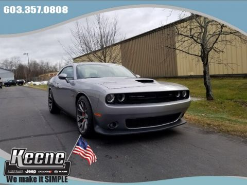 Pre-Owned 2016 Dodge Challenger SRT 392